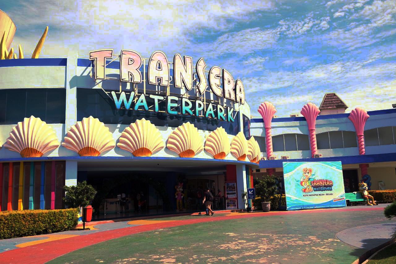 Transera Waterpark Bekasi
