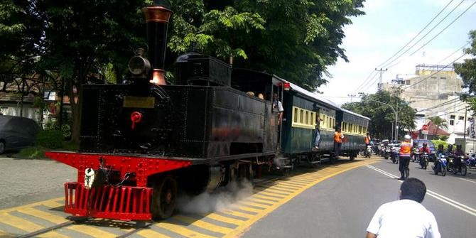 Kereta Uap Jaladara